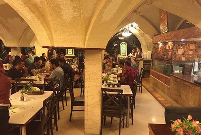 Famous Tehran Restaurants: Reyhoon